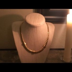 Jewelry - Gold Costume necklace